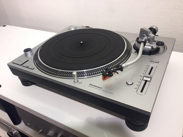 Technics SL-1200GR mit Ortofon 2M
